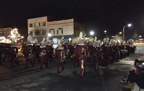 Marching band participates in holiday parade
