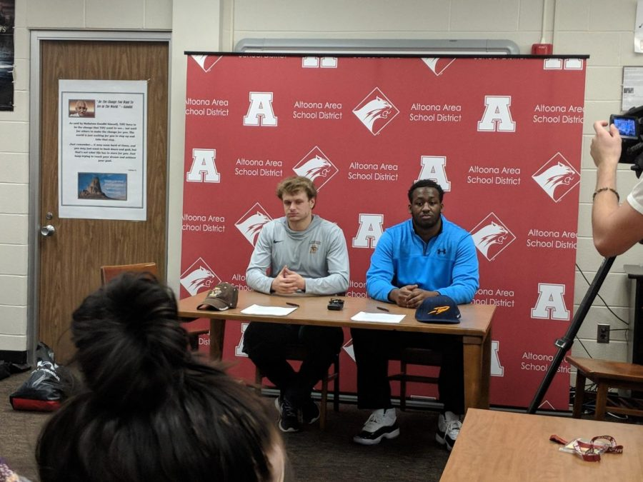 Lawhead+and+Hill+college+signing+day