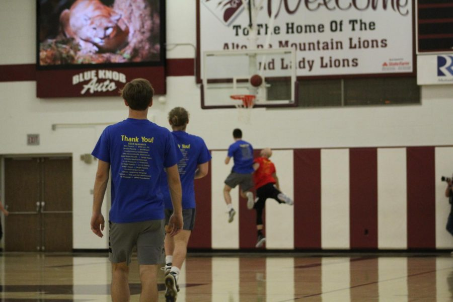 Robinson, Meyers partner for alumni vs. student basketball game