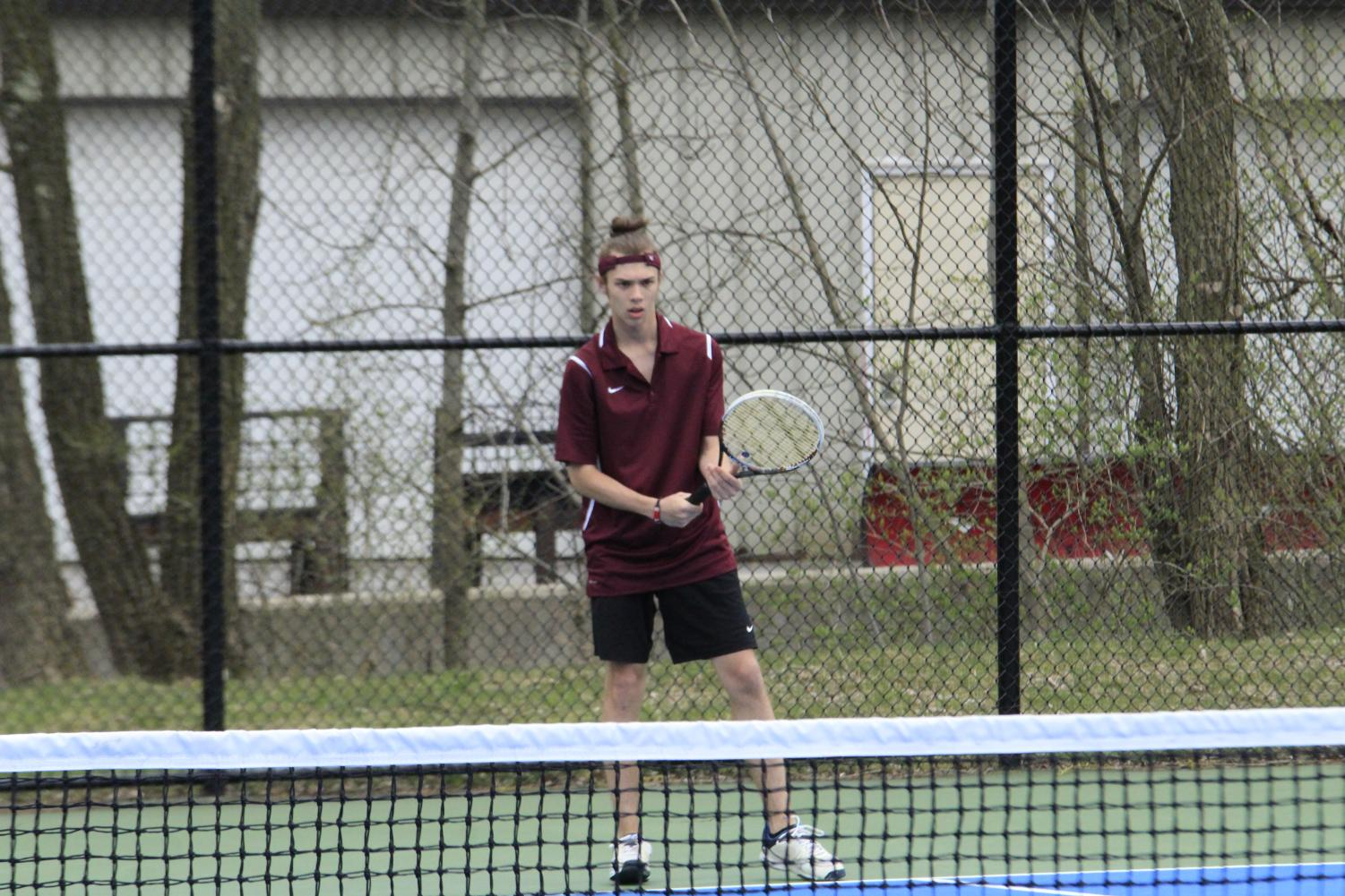 Michael+Shiminger+waits+for++his+opponent+to+serve+the+ball.++