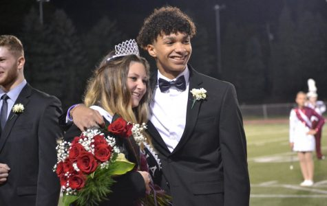 Duclos wins homecoming queen