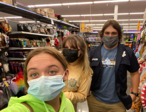 Editor in chief Ben Blackie joined Jocelyn Fetter and Layla Shelow for some fun participating in a Mountain Echo scavenger hunt.  Blackie tried on a police officer uniform as part of the challenge.