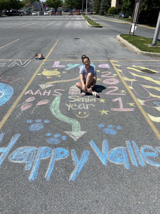 Senior Week - Parking lot decorating