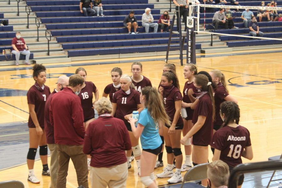 Strobel emphasizes communication in volleyball