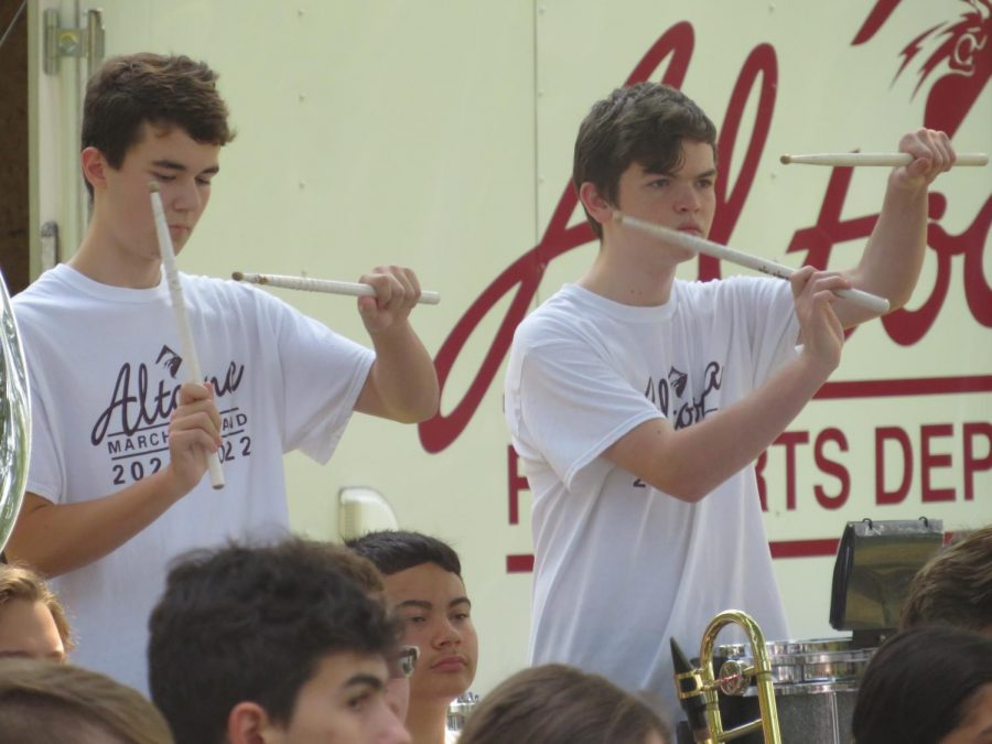 Hit+the+Drum%0AFreshman+Reece+Myers+and+Sophomore+Ryan+Longstreth+play+%0Atheir+snare+drums+at+the+Baker+Mansion+Concert+to+the+pregame+cadence.+%0AThey+are+always+practicing+for+what+is+to+come+within+the+weeks+of+game+day.+